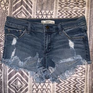 A&F Low Rise Destroyed/Frayed Denim Shorts Medium